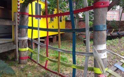 Kletternetze, Schaukeln und Hängematten …