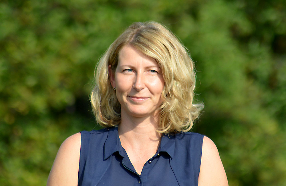 Frau Kerstin Nowak