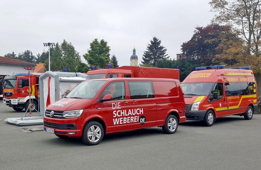 Die Schlauchweberei setzt auf rollende Werbung mit neuem Firmenbus